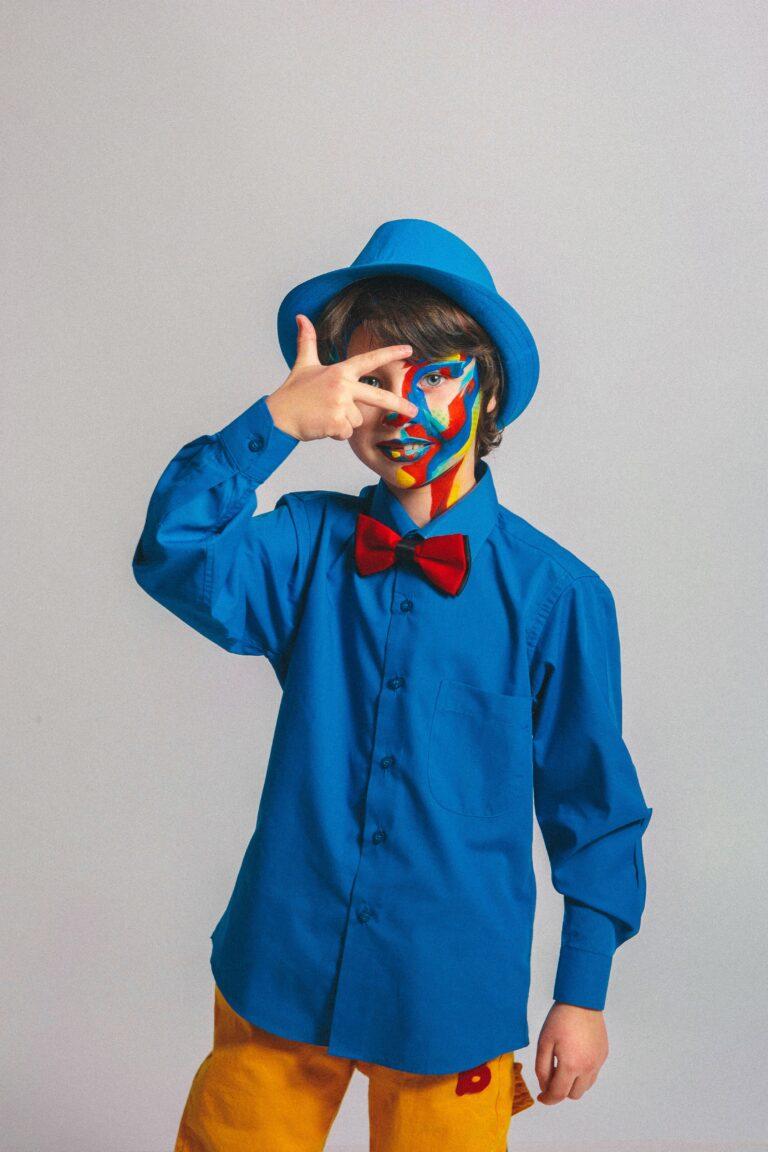 Milyen ruhát válassz ünnepi alkalmakra gyerekednek, ha nem akarsz extra stresszt okozni neki?